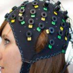 Sla sintomi pazienti parlano con il pensiero attraverso cuffie speciali