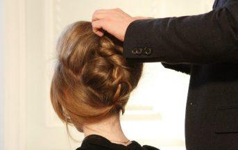 Capelli stressati: 3 trucchi per ridare luce alla tua chioma