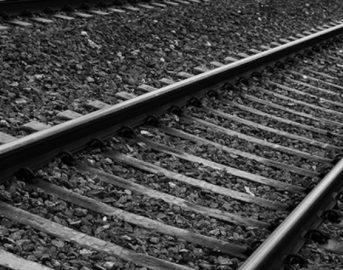 Melegnano donna investita dal treno, tragedia sui binari a sud di Milano