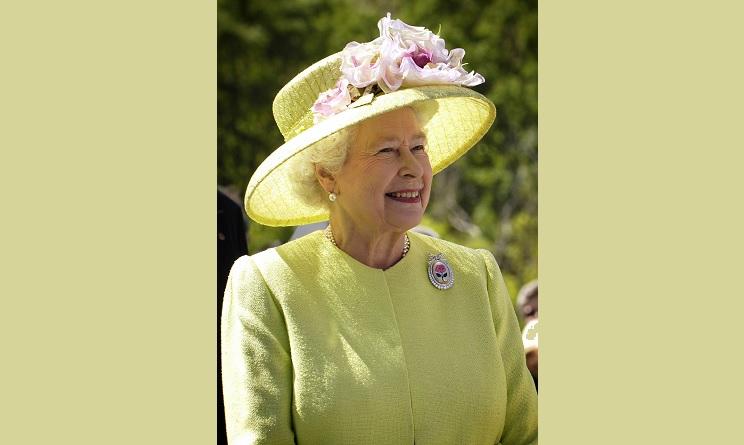 elisabetta II, regina elisabetta II, elisabetta II 65 anni sul trono, elisabetta II 65 anni di regno, elisabetta II giubileo di zaffiro, elisabetta II scandali,