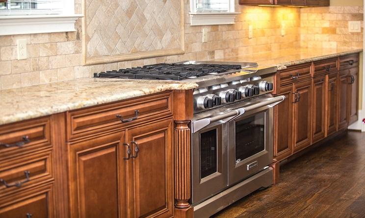come pulire il forno, come pulire il forno incrostato, come pulire il forno grasso, come pulire il vetro del forno, come pulire il forno con bicarbonato, come pulire il forno in modo naturale,