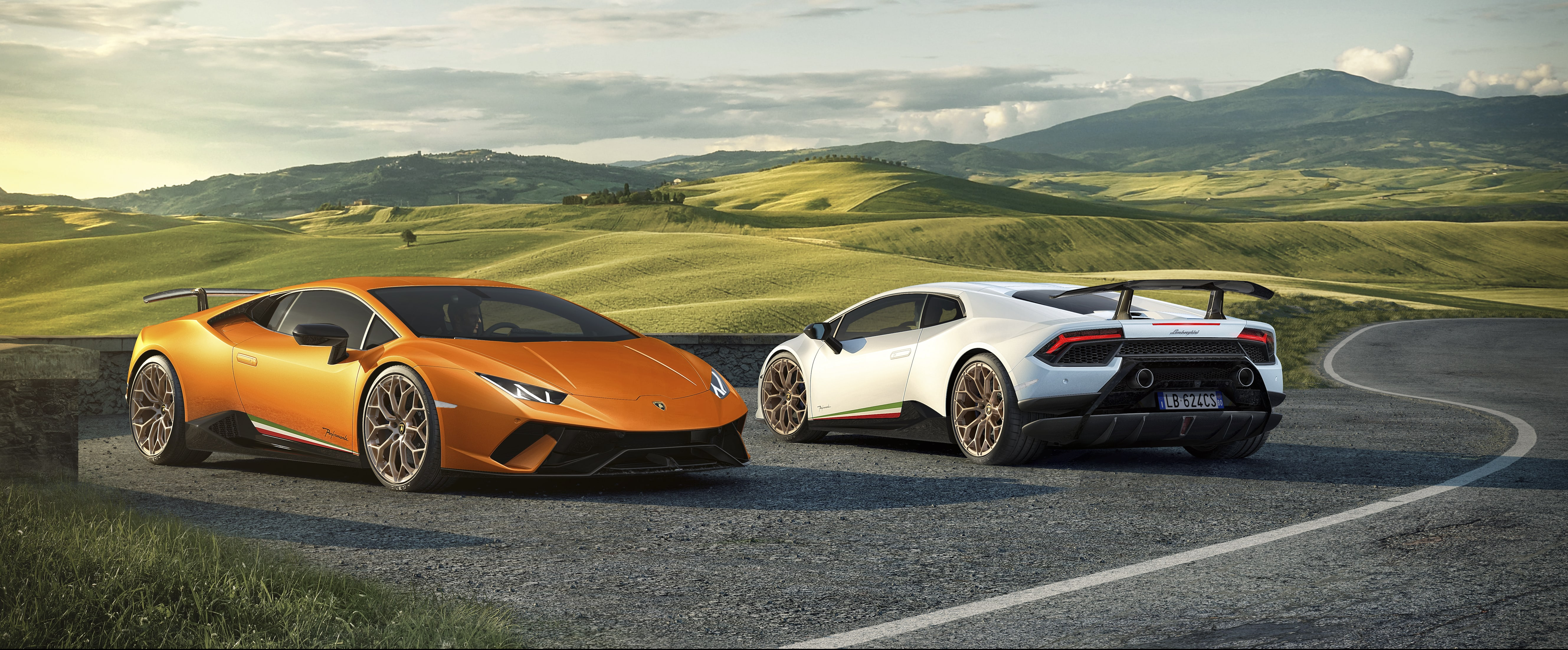 nuova lamborghini hurac n performante prezzo caratteristiche e data uscita foto circuito motori. Black Bedroom Furniture Sets. Home Design Ideas