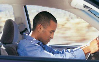 Apnee notturne: guida e patente, un rischio per la sicurezza e la salute