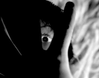 Attacchi di panico: cosa fare per combatterli secondo gli psicologi