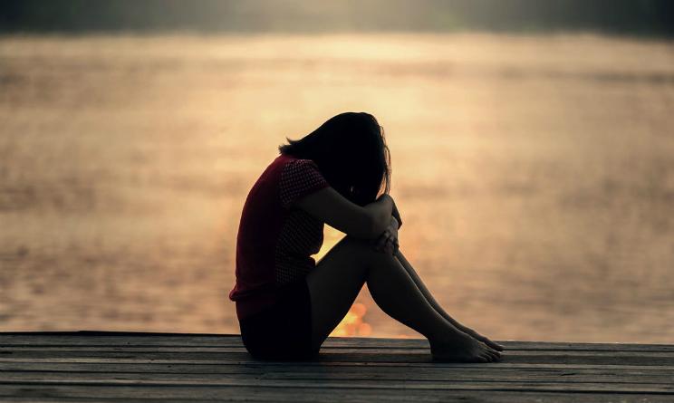 Depressione sintomi fisici e mentali, come curarla, farmaci e terapie efficaci