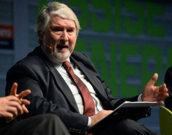 Poletti e la frase sul calcetto che non è piaciuta: il Ministro risponde alle polemiche
