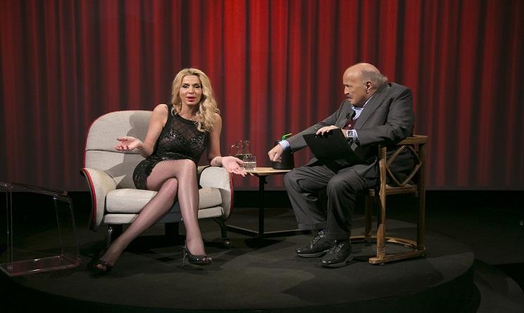Stasera in tv, seconda serata: L'intervista di Maurizio Costanzo a Valeria Marini