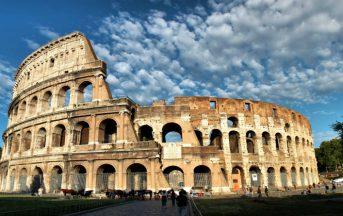 Roma, atti osceni in luogo pubblico ai Fori Imperiali: la denuncia social