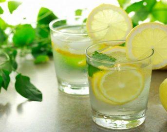 Perché bere acqua e limone prima di andare a dormire