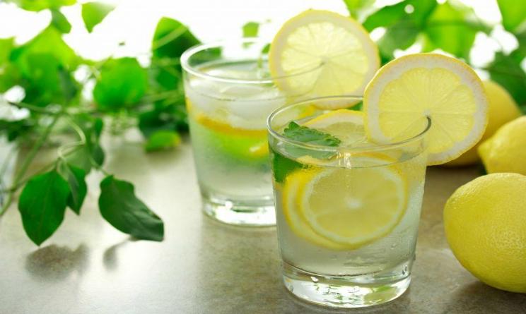 Perche bere acqua e limone prima di andare a dormire