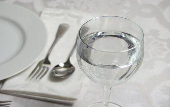 Acqua salute e benessere, quanto bere prima di un impegno