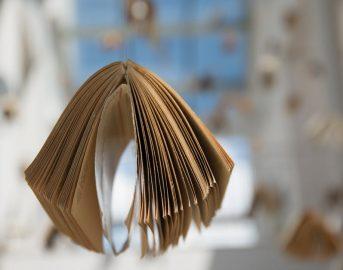 """Libri ebook gratis con """"Milano da leggere"""": metrò e bus si trasformano in luoghi di lettura"""