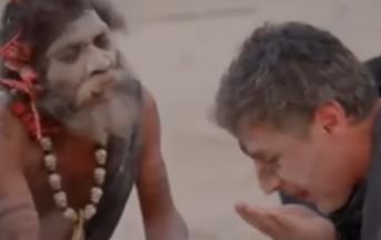 India, conduttore tv mangia cervello umano: ecco il video che sta suscitando polemiche