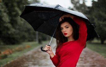 Come vestirsi in primavera quando piove: ecco tutto quello che dovete sapere per essere perfette