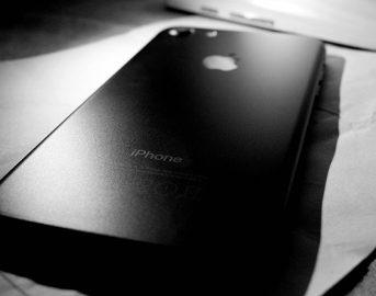 Apple, iPhone sostituzione batteria a prezzi scontati: si pagherà solo 29 euro, come accedere al programma