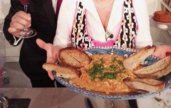 La Prova del Cuoco ricette oggi: uova strapazzate pomodoro e cipolla di Anna Moroni