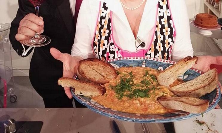 la prova del cuoco uova strapazzate con pomodori e cipolle, uova strapazzate con pomodori e cipolle anna moroni, la prova del cuoco oggi, la prova del cuoco ricette, la prova del cuoco ricette oggi, la prova del cuoco ricette 16 marzo 2017,