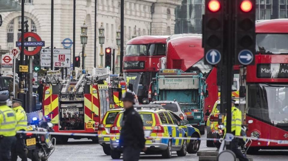 Londra attacco al parlamento news bilancio quattro morti for Lavorare in parlamento