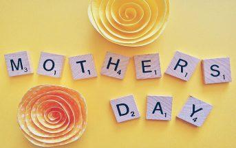 Festa della Mamma 2017 data: che giorno è, frasi e lavoretti per fare gli auguri