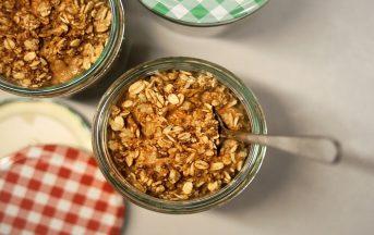 Colesterolo hdl e ldl valori, dieta: perché l'avena aiuta ad abbassarlo