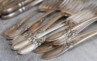 Come pulire l'argento annerito o ingiallito: ecco come fare in modo naturale
