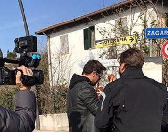 Striscia la Notizia incidente per Valerio Staffelli: tutta colpa dell'auto di Gabriel Garko