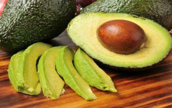 Avocado: proprietà per la pelle, per la linea e per la salute, ecco come sfruttarlo