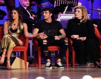 """Belen Rodriguez e Andrea Iannone: """"Usciamo poco la sera, ci piace bere un brodino e guardare la tv"""""""