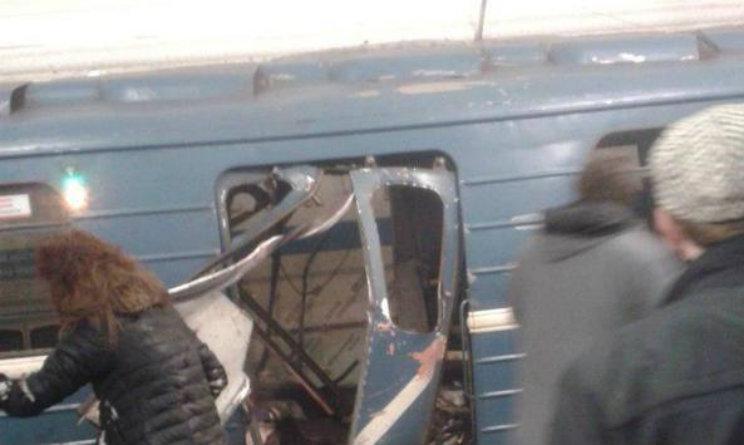 Esplosione in metro, sventrato vagone, morti e feriti