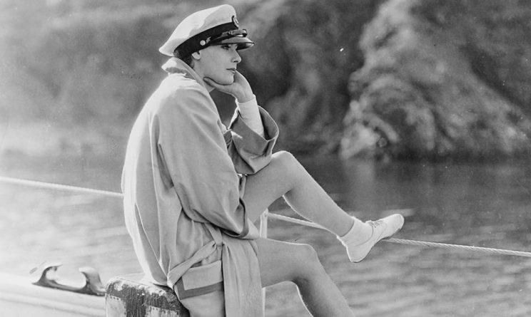 Greta Garbo facebook