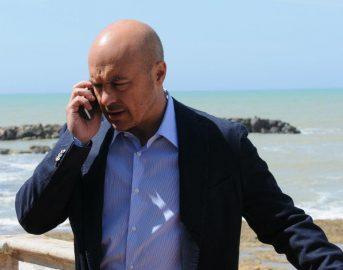Il Commissario Montalbano – La Pista di Sabbia: trama, cast, orario, diretta TV e streaming gratis