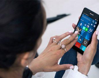 Microsoft Surface Phone data uscita news: la presentazione potrebbe slittare al 2018?