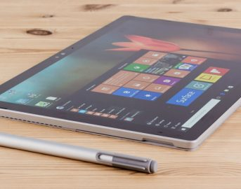 Microsoft Surface Phone data uscita news: evento imminente a New York, ma Surface Pro 5 assente?