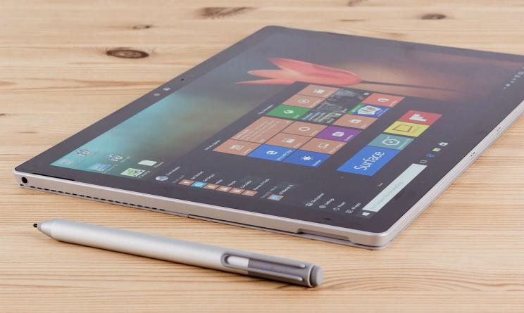 Microsoft Surface Phone e Surface Pro 5 presentazione a maggio 2017