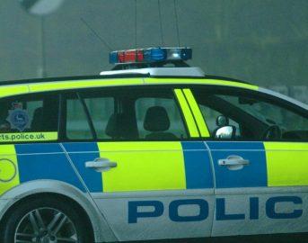 Londra: uomo armato di coltelli fermato a Westminster, chiuso il Parlamento