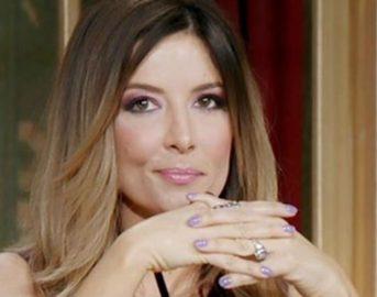 """Selvaggia Lucarelli su Facebook critica Gigi D'Alessio e Anna Tatangelo: """"provate anche voi l'ebrezza della normalità"""""""