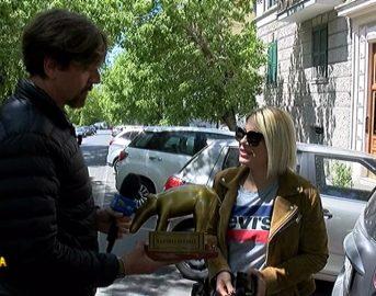 """Emma Marrone scherzo Amici 16, per lei Tapiro d'Oro a Striscia La Notizia: """"Sentivo le emozioni"""" (FOTO)"""