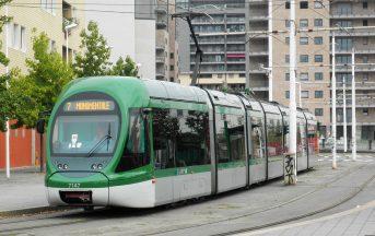 Milano, autobus sperona tram: ci sono feriti