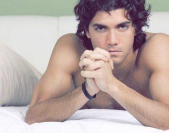 Uomini e piacere a letto: cosa cercano i ventenni di oggi sotto le lenzuola?