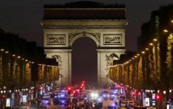 Parigi attacco sugli Champs Elysées, ultime notizie: caccia al complice dell'attentatore ucciso