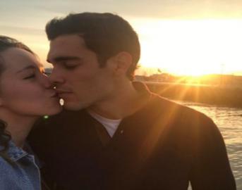 Aurora Ramazzotti Instagram: bacio al tramonto con il fidanzato Goffredo Cerza