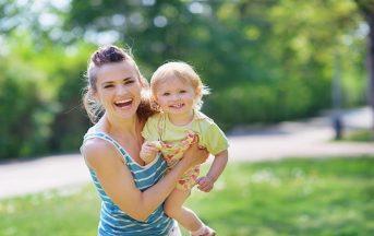 Babysitter, quanto costa? Da Roma a Milano, sono le località turistiche le più care