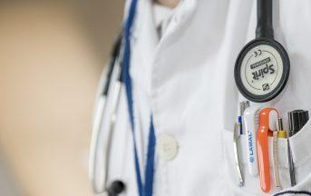 Offerte lavoro estero, in Germania e Irlanda si cercano infermieri: posizioni aperte per laureati in infermieristica, ostetricia e pediatria