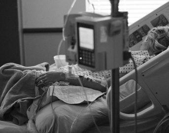 Aborto, falso il caso della donna respinta da 23 ospedali: ecco la verità