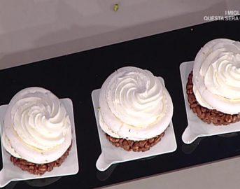 La Prova del Cuoco ricette dolci oggi: semisfera di meringa con gelèe di lamponi di Mario Ragona