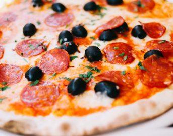 Offerte lavoro all'estero come pizzaiolo, cuoco e nella ristorazione: opportunità per l'estate 2017