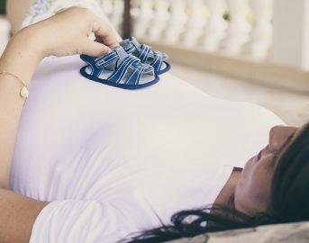 Reddito di maternità, la svolta a Milano: chi può richiedere l'assegno e come
