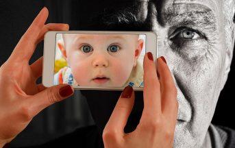 Foto bambini sui social: e se i figli potessero denunciare i genitori?
