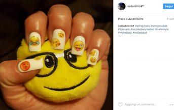 Unghie gel primavera 2017: l'ultimo trend è la nail art con le emoji [FOTO]