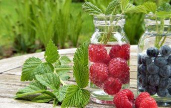 Bevande detox alla frutta: 3 ricette per depurarsi e dimagrire